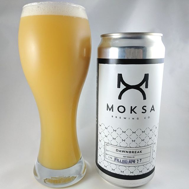 ———————————– Beer: Dawnbreak Style: Double IPA ABV: 7.7% IBU: ? Hops: Simcoe, Citra, Mosaic ———————————– Brewery: Moksa – Rocklin, CA Brewery IG: @moksabrewing ———————————– Special thanks to @Bud358 for the trade! ———————————– Rating: 4.75/5 Notes: Mmmm. Great juice going on here. I get some lemon in there which really finishes off the taste well. Awesome after taste. ———————————– #moksabrewery #moksabeer #moksabrewing #beer #thebeersbeer #beers #cheers #brewery #brew #beersoftheworld #hophead #hops #microbrew #drinkbeer #brewposts #instabeer #hazy #hazyipa #ipa #ipabeer #haze