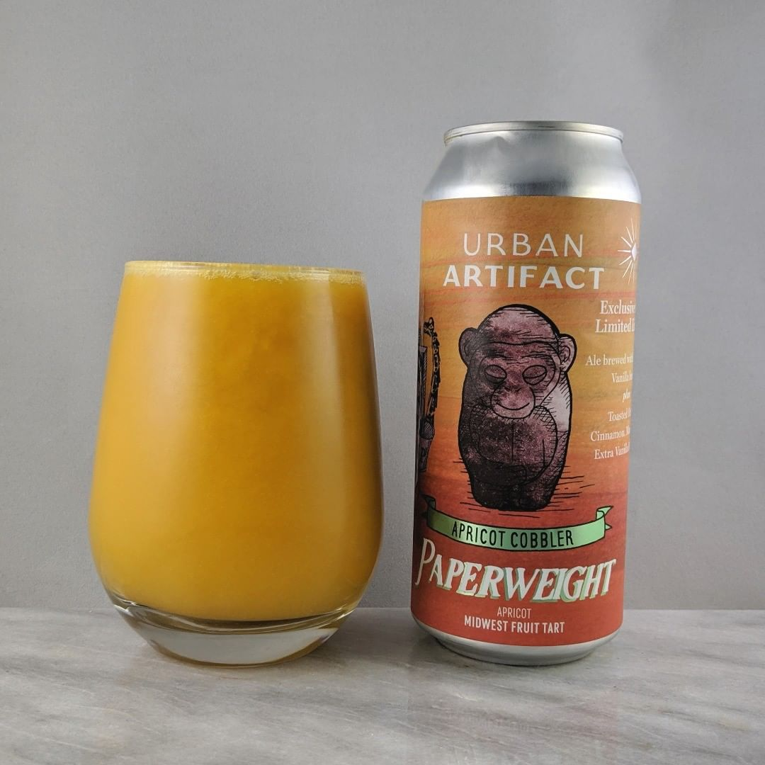 𝐁𝐞𝐞𝐫: Paperweight – Apricot Cobbler 𝐒𝐭𝐲𝐥𝐞: Sour 𝐀𝐁𝐕: 7.7% 𝐈𝐁𝐔: 15 𝐇𝐨𝐩𝐬: – ———————————– 𝐁𝐫𝐞𝐰𝐞𝐫𝐲: Urban Artifact – Cincinnati, OH  𝐁𝐫𝐞𝐰𝐞𝐫𝐲 𝐈𝐆: @urbanartifactbeer ———————————– 𝐑𝐚𝐭𝐢𝐧𝐠: 4/𝟓 𝐍𝐨𝐭𝐞𝐬: Oh nice. A tart and thick beer here. Lots of apricot flavor and some light vanilla. Tasty.  𝐂𝐚𝐧 𝐀𝐫𝐭: Some solid drawings. The monkey and the crest are cool.  𝐃𝐫𝐢𝐧𝐤𝐚𝐠𝐞: No date on can.
