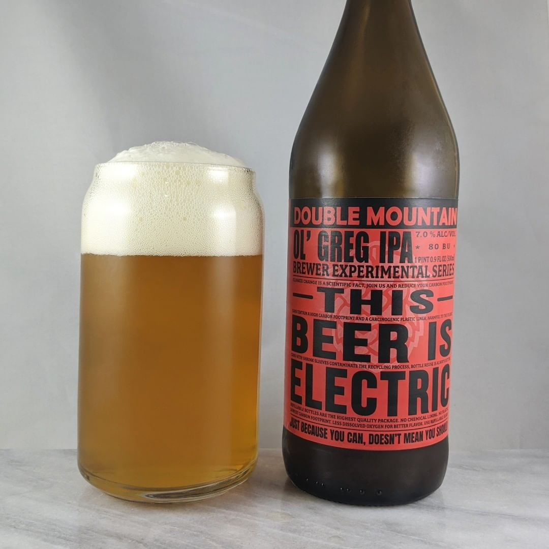 𝐁𝐞𝐞𝐫: Ol' Greg 𝐒𝐭𝐲𝐥𝐞: IPA 𝐀𝐁𝐕: 7% 𝐈𝐁𝐔: 80 𝐇𝐨𝐩𝐬: Brewer's Gold ———————————– 𝐁𝐫𝐞𝐰𝐞𝐫𝐲: Double Mountain Brewing – Hood River, OR 𝐁𝐫𝐞𝐰𝐞𝐫𝐲 𝐈𝐆: @doublemountain ———————————– 𝐑𝐚𝐭𝐢𝐧𝐠: 3.75/𝟓 𝐍𝐨𝐭𝐞𝐬: A crisp and easy drinking English style IPA. I like it. Some good hoppy taste and flavor. Not too bitter at all and not sweet.  𝐁𝐨𝐭𝐭𝐥𝐞 𝐀𝐫𝐭: It's awesome that Double Mountain is doing the reusable bottles. Like the print label.  𝐃𝐫𝐢𝐧𝐤𝐚𝐠𝐞: 16 days after date on bottle.